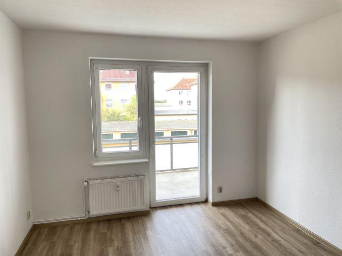 Ihr neues Zuhause! Renovierte 2-Zimmer-Wohnung mit Balkon