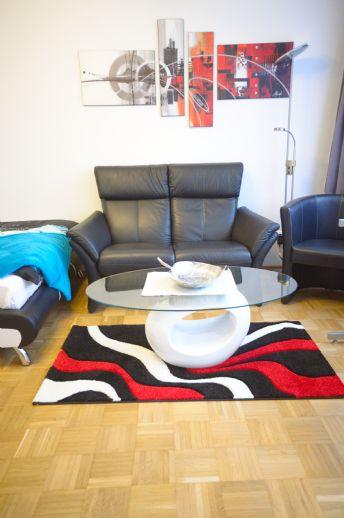 Sehr schön möbliertes Apartment mit Balkon, U-Bahn Nähe, ruhig und modern