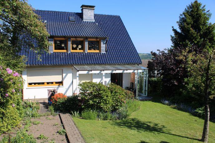 Sehr gepflegtes 1-Familienhaus mit Garage und schönem Garten in Ennepetal-Voerde!