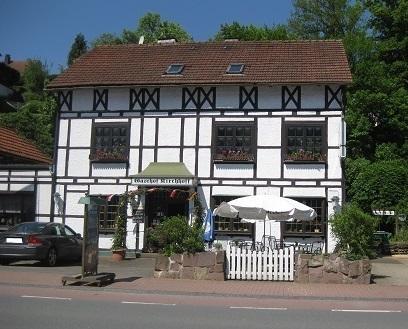 Historischer Landgasthof in Marsberg-Bredelar zu verkaufen, verkehrsgünstig gelegen, direkt an der B7