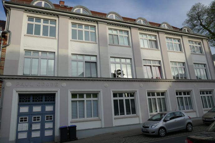 Sehr schöne 80 m² 2-Zimmer-DG-Wohnung mit Balkon in Apolda