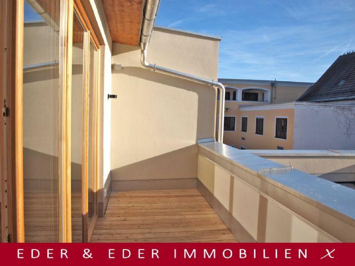 Erstbezug! Generalsanierte 2-Zimmer-Dachgeschoss-Wohnung mit Dachterrasse im Herzen der Altstadt!