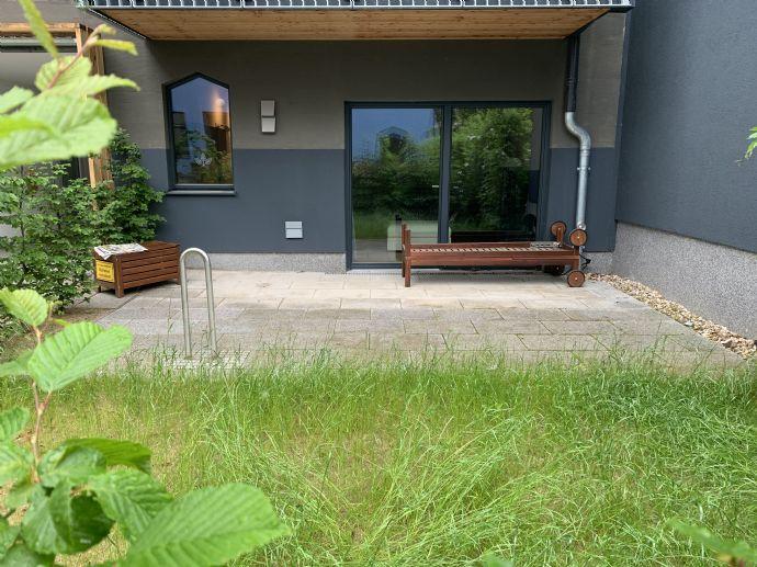 1-Zimmer-Wohnung mit Terrasse und Garten  in Berlin, ERSTBEZUG!