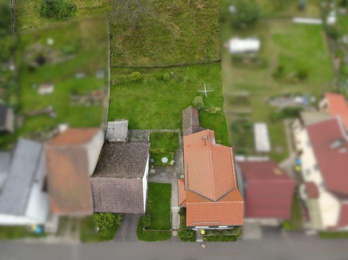 Freistehendes Einfamilienhaus mit Garage und