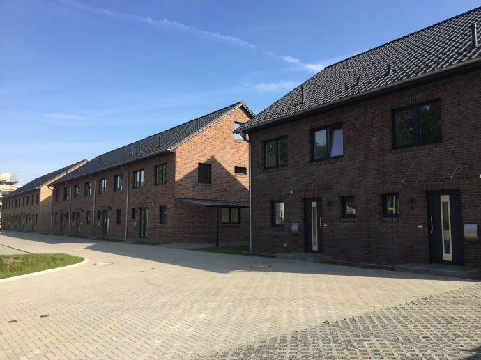 Neubau - Hochwertige moderne Doppelhaushälfte in Quickborn