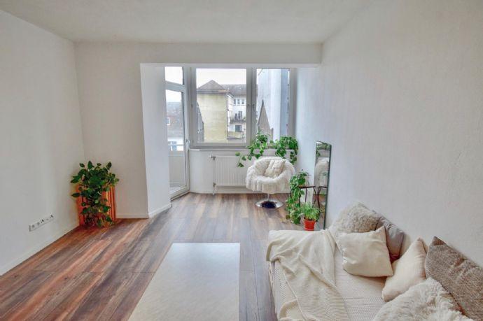 Erstbezug nach Sanierung mit EBK: exklusive 3-Zimmer-Wohnung in Pforzheim