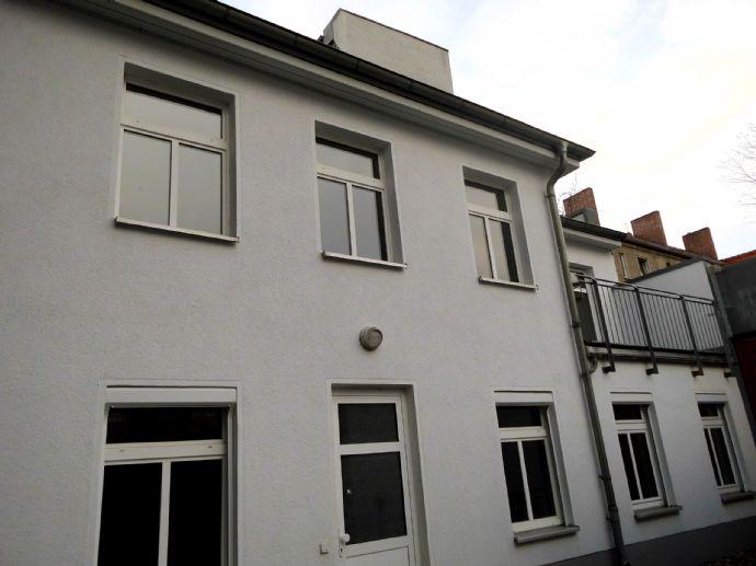 Wohnen wie im Einfamilienhaus - 3 Zimmer mit Balkon und Stellplatz!