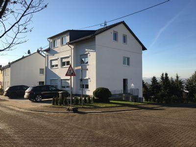 2 zimmer penthouse wohnung in bevorzugter wohnlage von