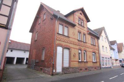 **Provisionsfrei** 2 Häuser mit insgesamt 4 Wohnungen in zentraler Lage von Rödermark!