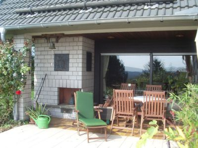 Terrasse mit Außenkamin