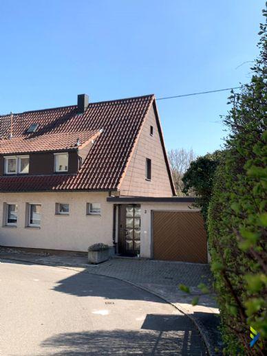 schöne Doppelhaushälfte mit Terrasse,Garten und Garage