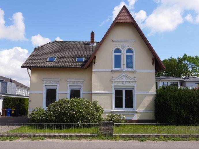 3 Zimmer-Wohnung mit Garten und Garage