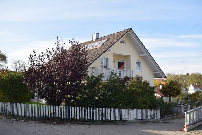 Hochwertiges und großzügiges Einfamilienwohnhaus in ruhiger, ländlicher Lage