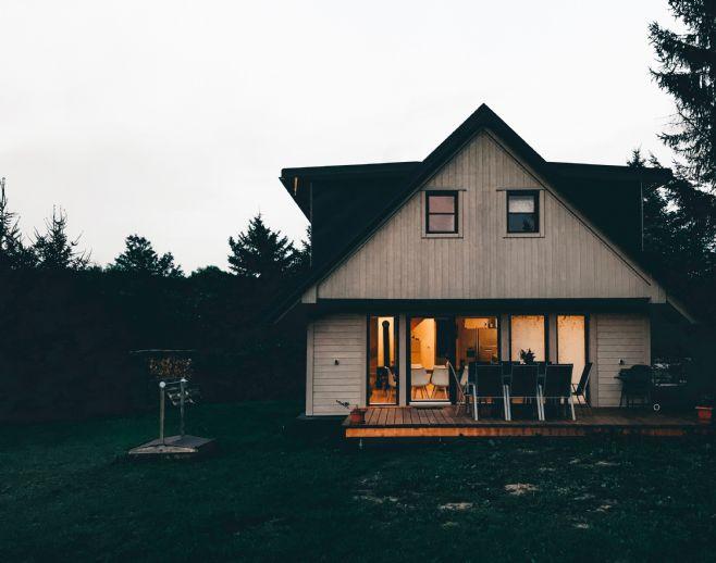 Schickes, freistehendes Einfamilienhaus mit Garage