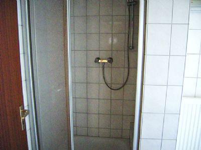 Neue Duschtür