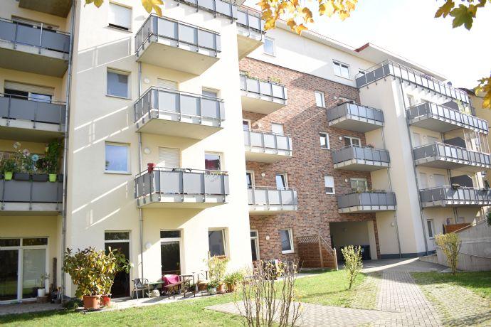Südvorstadt: Neubau, 3 Zimmer, Balkon, Wanne & Dusche & neue Einbauküche für 949 € kalt