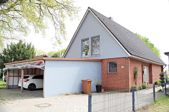 Schönes Einfamilienhaus mit großem Garten und Doppelcarport sowie vielen Extras