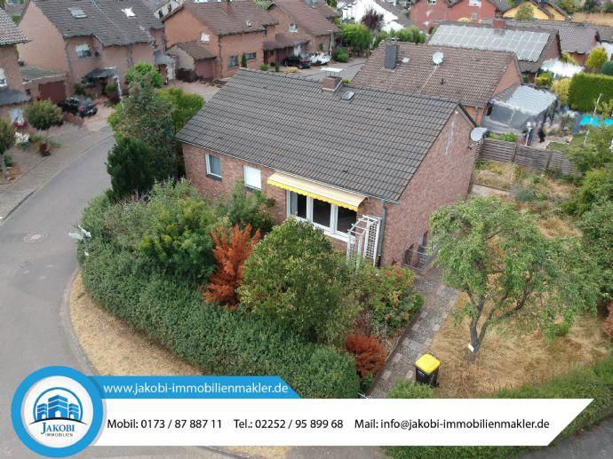 ***VERKAUFT*** Freistehendes Einfamilienhaus mit großem Potential in beliebter Wohnlage von Erftstadt-Bliesheim.