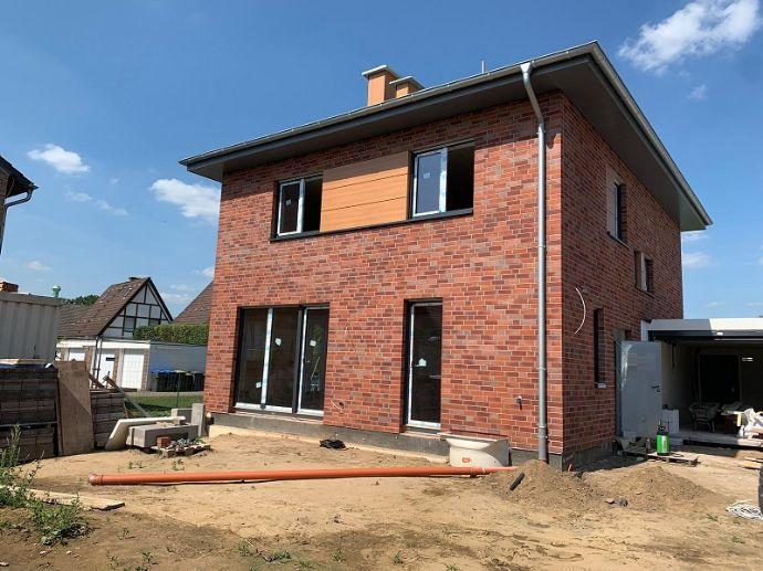 Repräsentativer Neubau in Alt-Wulfen! Modernes, freistehendes Einfamilienhaus!