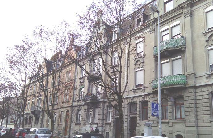 Konstanz-Stadelhofen, edel sanierte, helle 4-Zimmer-Altbauwohnung mit Balkon in zentraler Altstadtlage
