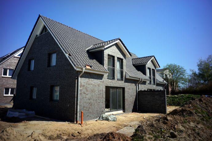 Neubau eines Doppelhauses in Horneburg in zeitloser Massivbauweise – provisionsfrei (noch eine DHH verfügbar)