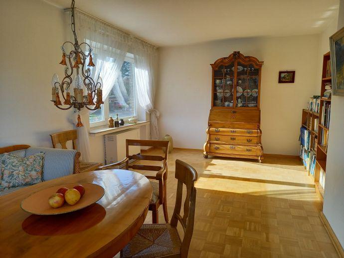Sonnige 3-Zimmerwohnung mit sehr großem Wohnzimmer und Balkon