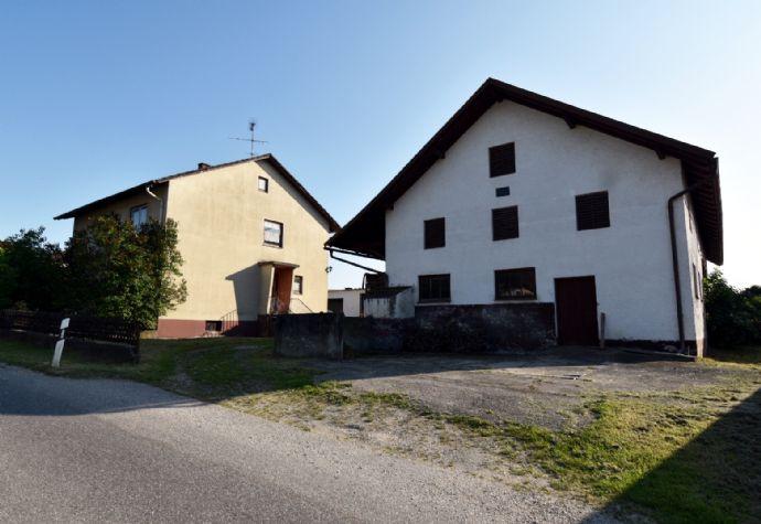 Haus mit kleiner Hofstelle für Handwerker