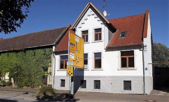 *** Attraktives Gründerzeithaus mit 2 WE und Gewerbefläche in zentraler Lage ***