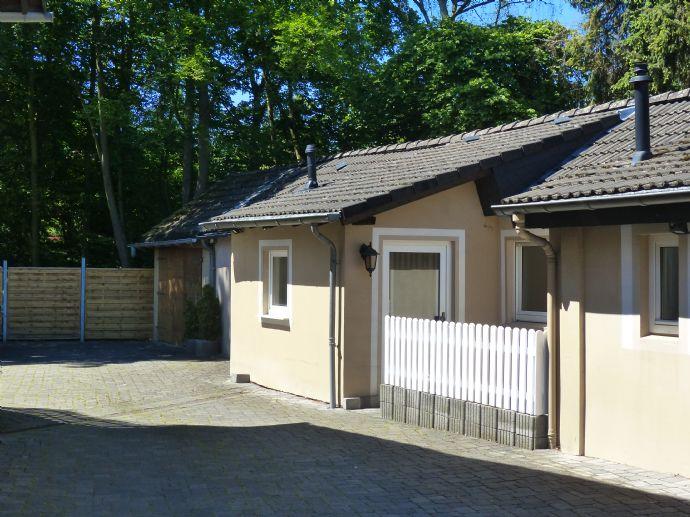 Eschfeldstraße 22, Haushälfte, neu renoviert, 2,5 Zi., Terrasse, bezugsfertig in GE- Buer, nähe Berger See zu vermieten