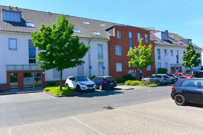 Gepflegte 3-Zimmer-Maisonette-Wohnung mit Balkon und EBK in Monheim am Rhein