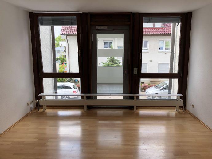 **Lichtdurchflutete 4,5-Zimmer-Wohnung in ruhiger Lage im Herzen von Fellbach Schmiden**