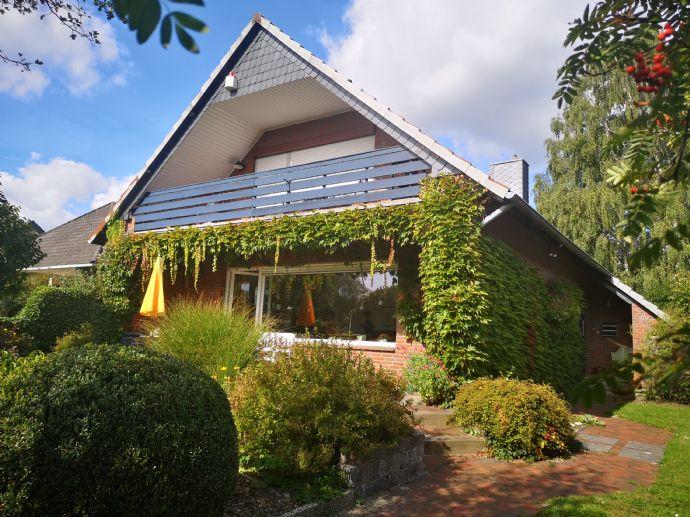 Schönes freistehendes Einfamilienhaus mit großem Garten
