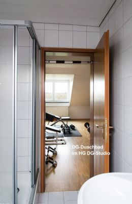 reihenmittelhaus 196qm nutzfl che mit traumblick haus unterschlei heim 2du574m. Black Bedroom Furniture Sets. Home Design Ideas