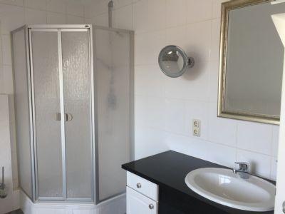 Teilansicht Bad/Dusche/WC