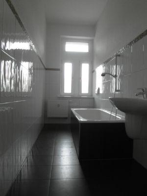 Bad mit Wanne und Fussbodenheizung