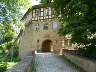 Das Schloss von Sachsenheim in Sichtweite