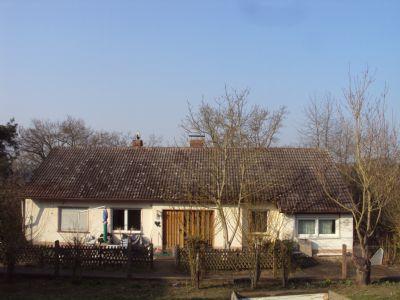 Außenansicht straßenseitig (Winter)