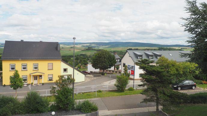 Ausläufer des Hochwalds im Hintergrund
