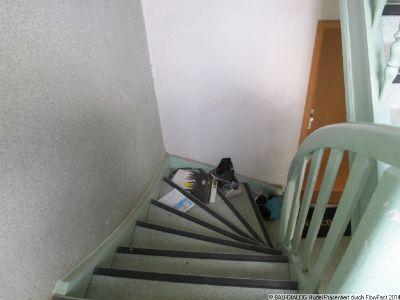952_Hausflur mit Geschosstreppe