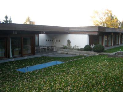 gro z gige lichtdurchflutete villa in riesb rg idyllisch. Black Bedroom Furniture Sets. Home Design Ideas