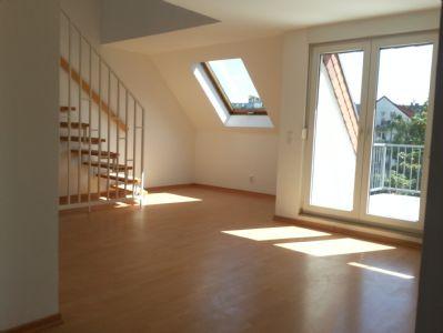 Moderne 2,5-Zimmer Maisonette-Wohnung mit EBK und großzügigem Sonnenbalkon