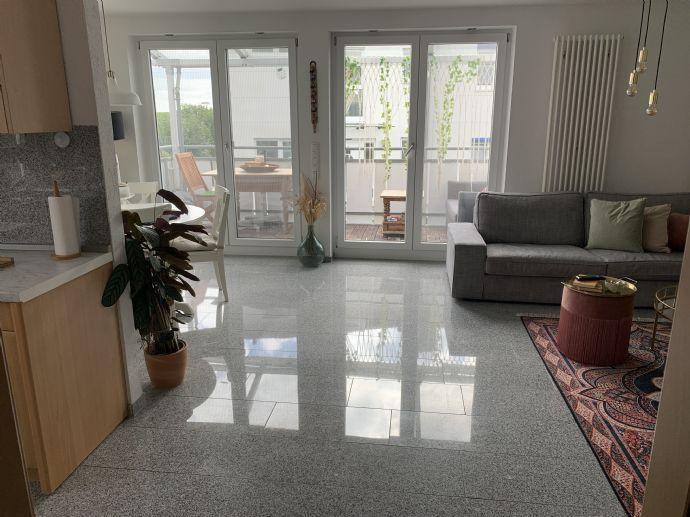 3-Zimmer-Wohnung - teilmöbliert eingerichtet - in Herrenberg