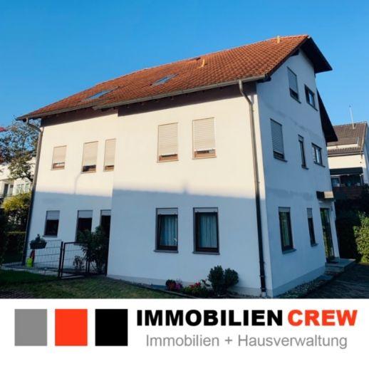 Helle und gut geschnittene 2-Zimmer-Dachgeschosswohnung, mit großem Sonnen-Balkon