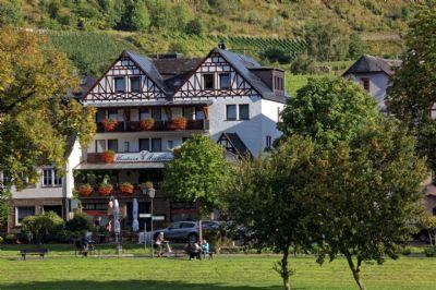 """Pension """"Weinhaus Hirschen"""" in Bruttig an der Mosel!"""