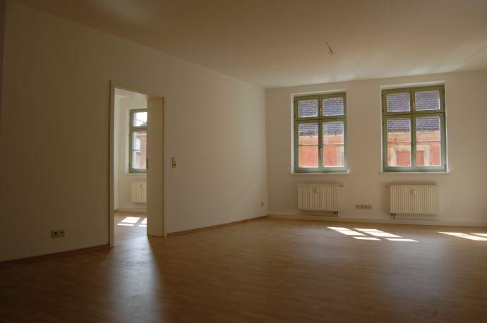 günstige 2-Raum-Wohnung mit Blick zur Johanniskirche