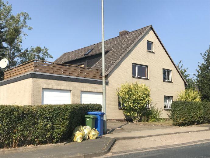 2-Familienhaus in beliebter Wohnlage von Helmstedt. Mit Dachterrasse,Garagen,Keller,Balkon usw.