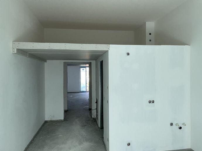 WG Zimmer Apartment in 2 Zimmer Wohnung mit Hochebene Balkon EG Neubau Erstbezug EBK PKW Stellplatz