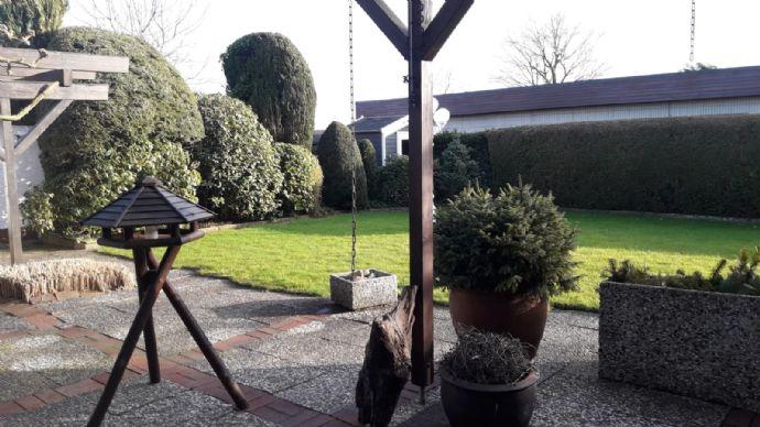 NEU NEU NEU TOP Gepflegtes Haus mit schönem Garten