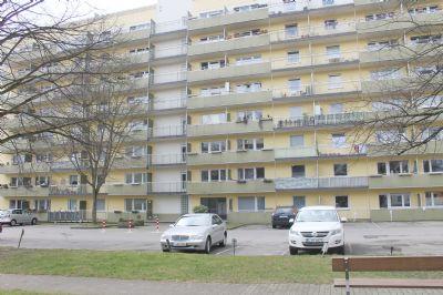 E- Kettiwig : Frisch renovierte 1 Raum Wohnung mit Balkon
