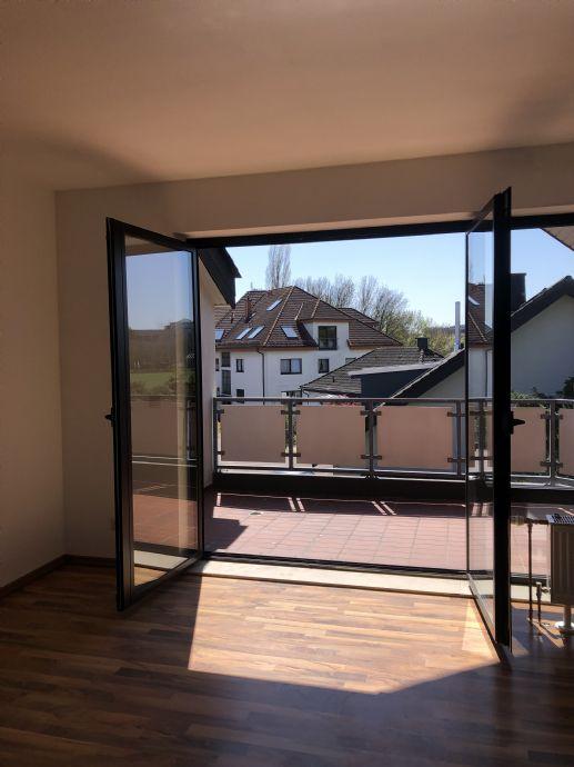 Große 2-Zimmer-Wohnung mit Balkon und Gäste WC inkl. Stellplatz